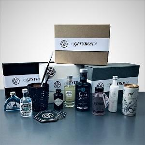 Ginybox - Gin Tasting mit unserer individuellen Ginybox für den Gin Liebhaber der Überraschungen mag.